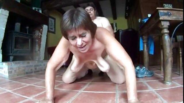 Tres videos pornográficos maduras corridas en la boca