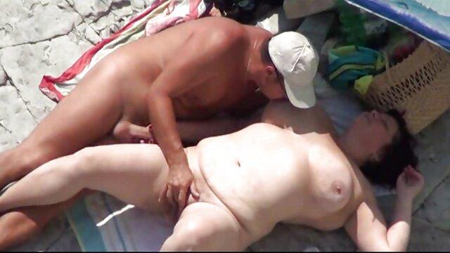 Estudiante pornodemaduras travieso