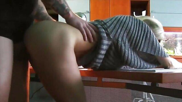 Tres jóvenes follados videos de maduras italianas por el culo