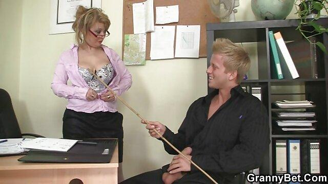 Pillada rubia videos madres maduras masturbándose