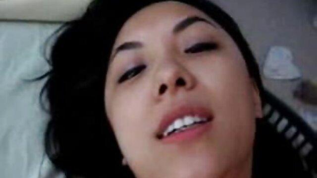Follándose el culo frente a la cámara videos caseros de mujeres maduras
