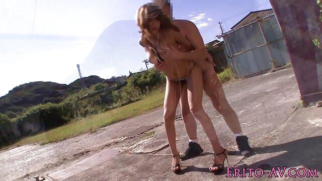 Blanca se videos de señoras calientes folla a una negra