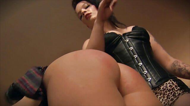 Linda maduras delgadas follando chica anal