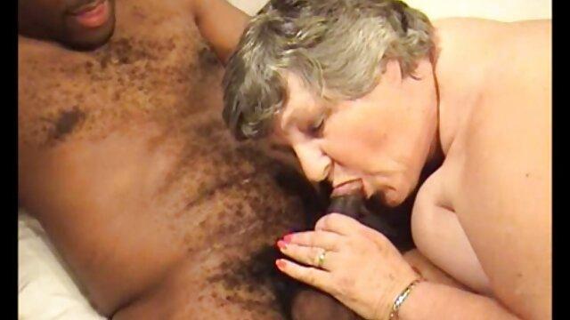 Porno en la tienda videos de maduras dormidas