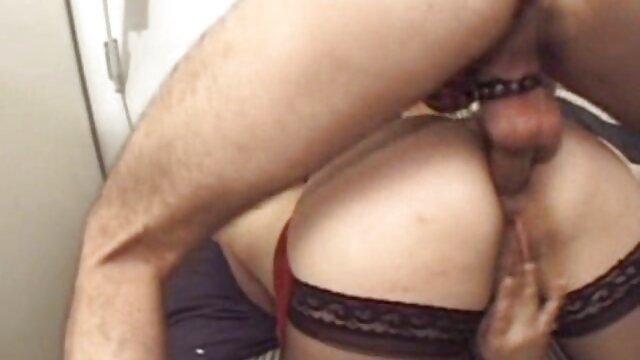 Adolescente maduras españolas follando experimenta su primer anal